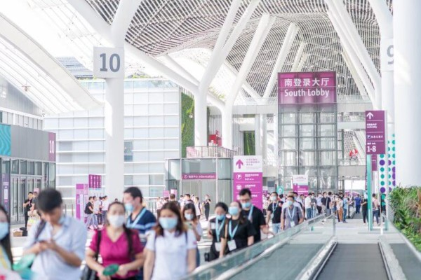 Intertextile Shenzhen – Траволатор между выставочными зонами